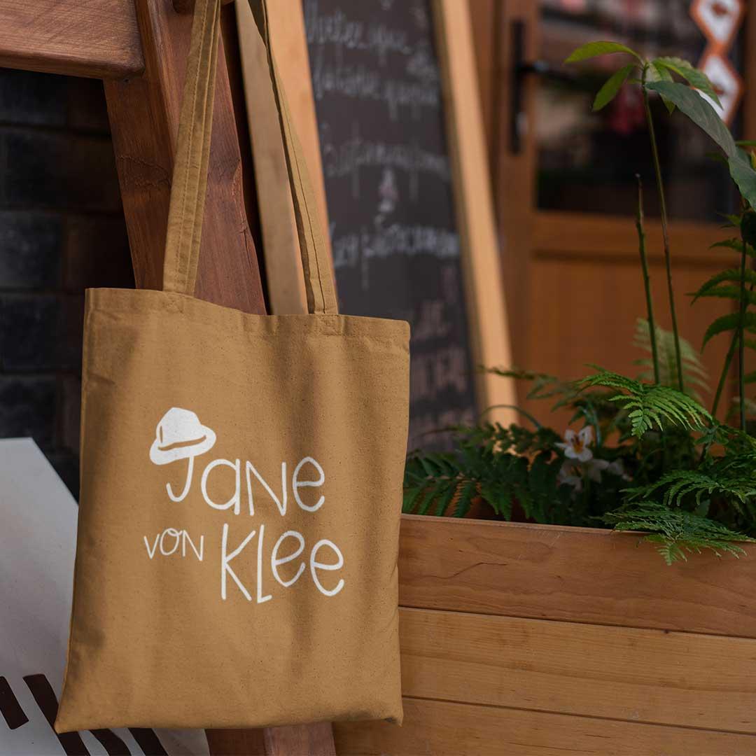 Jane von Klee Logo auf Tasche