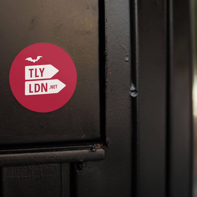Totally London Logo Sticker rot